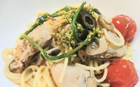 牡蠣とハナッコリーとオリーブのオイルパスタ